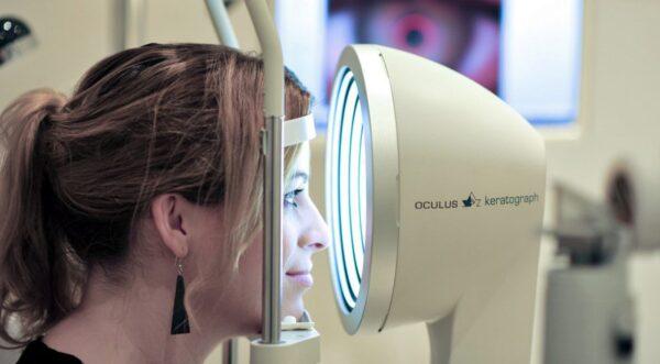 Präzision in der Augenoptik, huipputarkkaa mittausta
